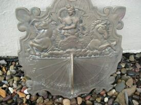 Sundial plaque for wall fitting.