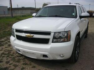2010 Chevrolet Suburban LT- ONE OWNER!