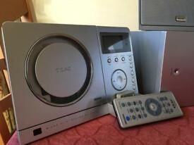 TEAC Slim Hifi System with iPod Dock