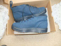 Dr Martens Baynes Kaya Perfed, unisex - Brand New - Size 41 - REDUCED IN PRICE