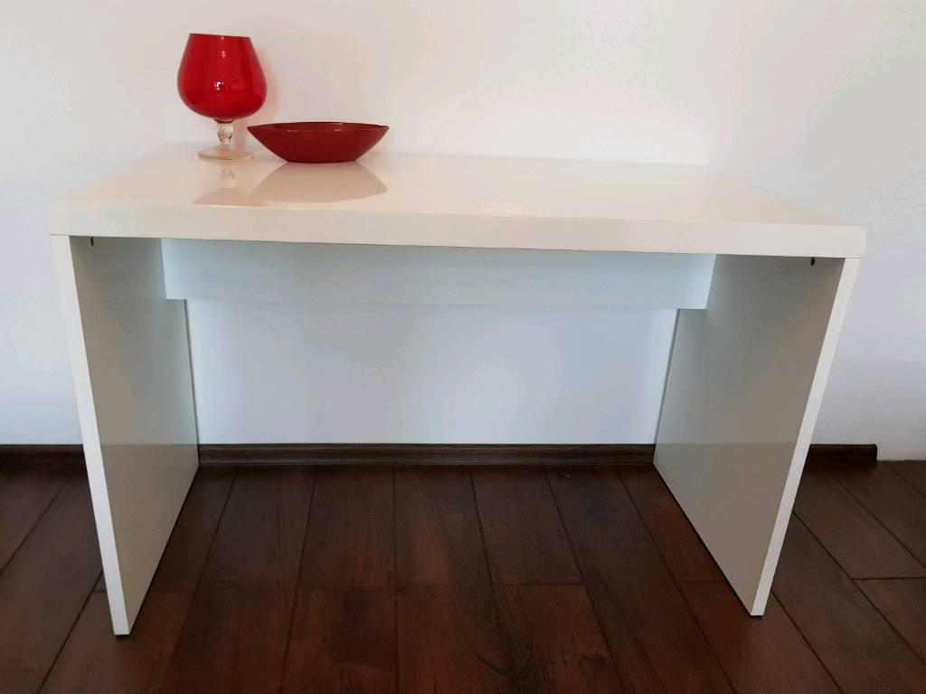 White high gloss ressing table/ desk