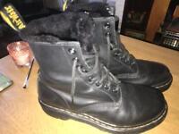 Women's Dr Martens Serena Boots - Black leather