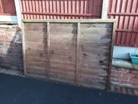 Qty of 4 fence panels 6' x 4' used but good condition