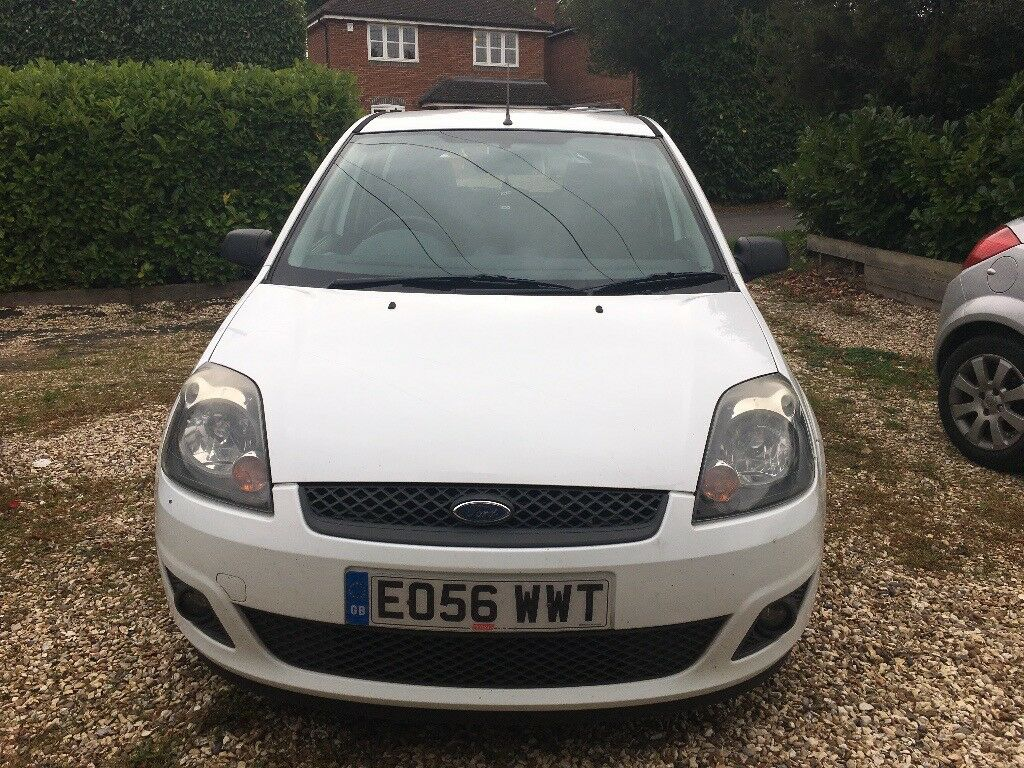 2006 1.4 Ford Fiesta in White, Good condition (Needs to be Sold by Wednesday)