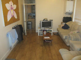5/5 bed house available on Allensbank Road Students preferred.
