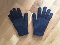 Large Sealskinz gloves