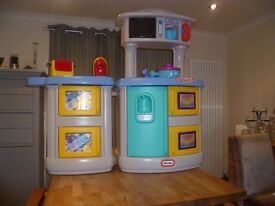 Little Tikes - Fold Out Kitchen and Laundry Play Set
