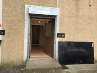 3 Offices block with free parking within Industrial Estate only £295 pcm close to city center