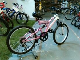 GIRLS TERRAIN VESUVIUS BIKE 20 INCH WHEELS 6 SPEED FULL SUSPENSION PINK/WHITE VERY GOOD CHRISTMAS?