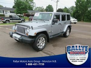 2013 Jeep WRANGLER UNLIMITED Sahara! Heated! Leather! Nav!