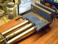 RECORD 52 E quick release woodworking vice.