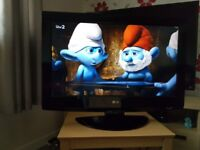 LG 32 INCH HD LCD TV (FREEVIEW)