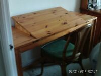 Graphics/craft desk, in thick solid pine. Tilting centre section. Good condition