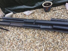 Guttering, down pipes and fixings - black