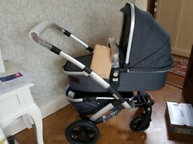BRAND NEW JOOLZ GEO RIDGE MONO LIMITED EDITION GREY PUSHCHAIR PRAM CARRYCOT & BAG BARGAIN £475