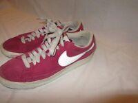 Nike Blazers - Low - Burgundy - UK size 6