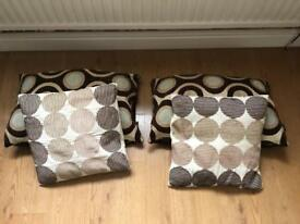 4 Decorative Cushions