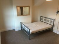 Luxury Double Bedsit. Ensuite shower, toilet. Close to Town and Rail Stations. Available Immediately