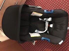 britax baby safe plus II group 0