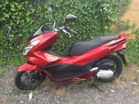 Honda ww 125 pcx 2018 Red Only 500miles