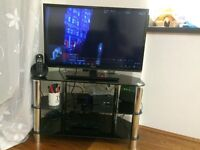 Smart TV +Table