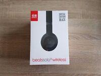 BRAND NEW - SEALED - BEATS SOLO 3 WIRELESS HEADPHONES - MATTE BLACK