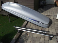 Thule Pacific 700 roof box and Thule aero roof bars