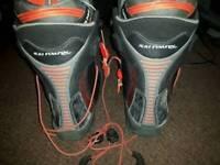 Salomon malamute custom pro snowboarding boots size 7.5 uk