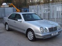 MERCEDES E300 ELEGANCE TD Auto Mot November 2017 with S/History only 2 Owners