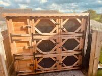 Big rabbit shed good condition pick up only