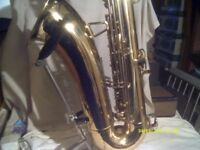 A TENOR SAXOPHONE In GOLD LACQUER , MOUTHPIECE, SLING & NICE CASE , COME & TRY IT ?