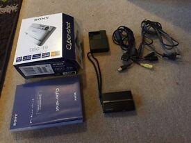 Sony DSC-T9 Cybershot Camera