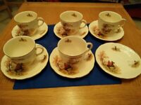 Alfred Meakin Country Life Vintage cups and saucersa
