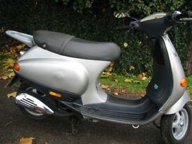 Piaggio Vespa ET4 ,ET2 ,LX exhaust ,panel.clutch,wheel ,tyre,brake,engine ,speedo,fork,shock,light