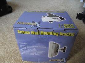 DELUXE WALL MOUNTED TV BRACKET