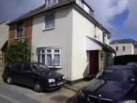 PARKSTONE ROOM TO LET IN SHARED HOUSE £90 PER WEEK