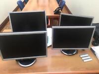 4 Samsung 19 inch widescreen monitors (sync master 940)