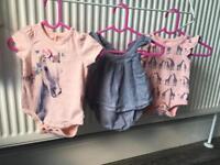 Gap baby girl vests 0-3 pink pretty horse giraffe