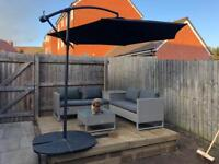 Parasol cantilever 3m parasol ( nearly new )