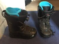 Women's snowboard boots rarely used