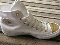 Brand new converse size 8