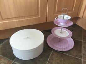 Bombay duck unusual cake stand boxed