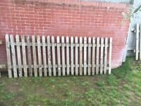 5 Picket/Pallisade Fencing Panels with Pointed Tops, 4 foot high with total length of 12 metres