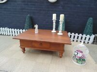 ABSOLUTELY STUNNING EXTRA LARGE SOLID OAK COFFEE TABLE WITH 2 DRAWERS BEAUTIFUL TABLE