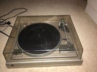 Dual 505 Vinyl Record Player.