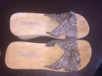 Sketchers size 6 sandals