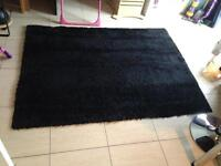 Beautiful black fluffy rug xl size! Exceptionally clean! Bedroom living room dining room soft