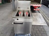 GAS FRYER CATERING COMMERCIAL FISH CHIPS CAFE KEBAB CHICKEN PIZZA RESTAURANT KITCHEN FAST FOOD SHOP