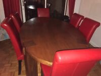 Gorgeous solid wood 6 seater dining table and chairs