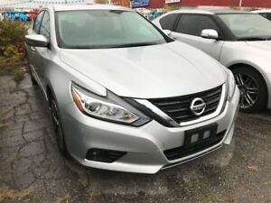 2017 Nissan Altima 2.5 SV | ONE OWNER | ROOF | CAM